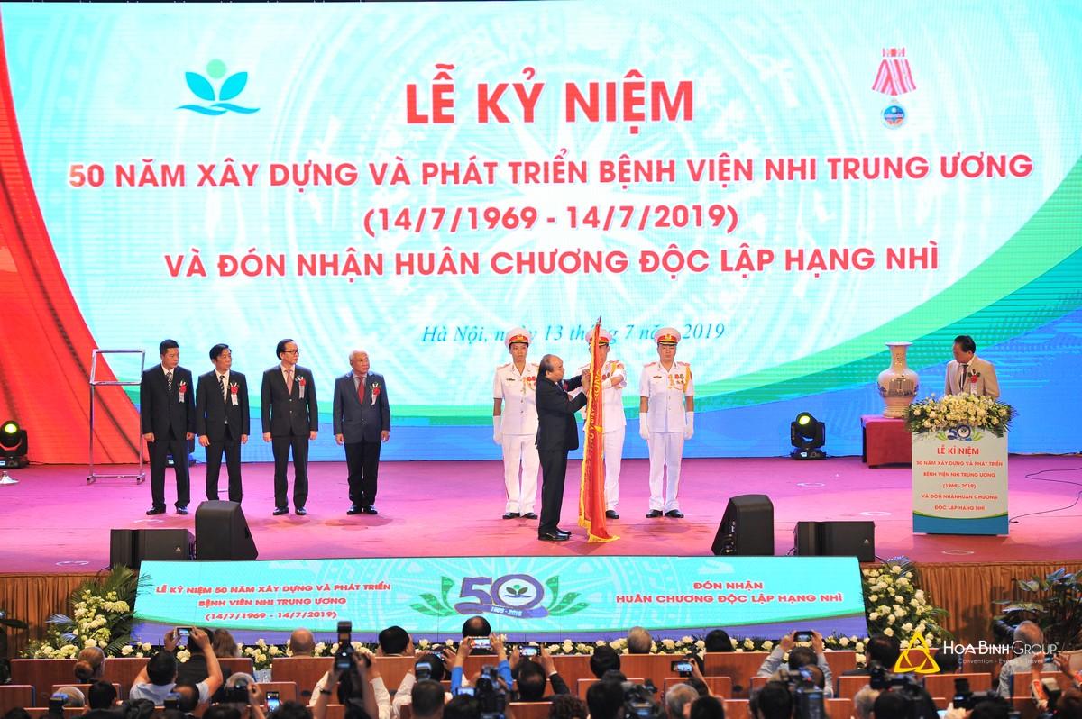 Lễ kỉ niệm 50 năm xây dựng và phát triển bệnh viện Nhi Trung Ương và đón nhận huân chương lao động hạng Nhì