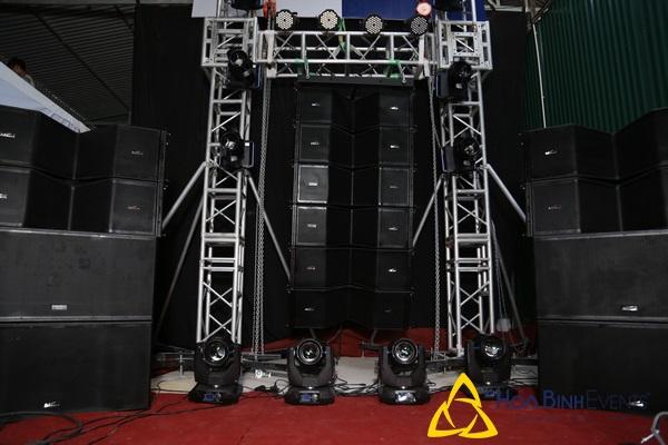 Loa Line Array là một trong những thiết bị không thế thiếu trong hệ thống thiết bị âm thanh sự kiện