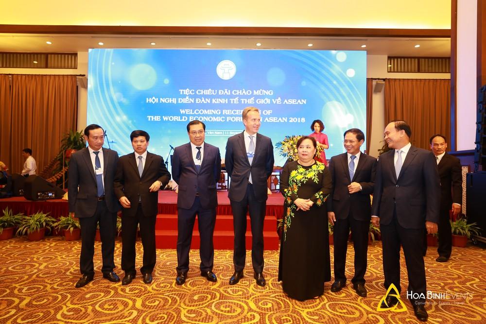 Tiệc chiêu đãi chào mừng các đại biểu tham dự Hội nghị Diễn đàn kinh tế thế giới về ASEAN