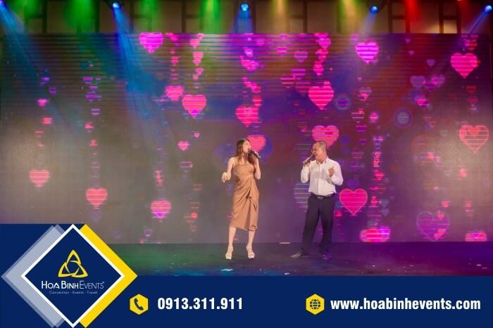 Sân khấu sự kiện chuyên nghiệp, hiện đại với hệ thống âm thanh - ánh sáng lý tưởng
