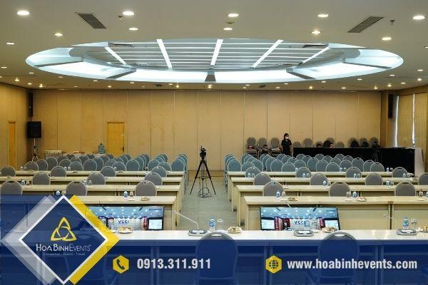 HoaBinh Events cung cấp thiết bị theo nhu cầu và không gian phòng họp