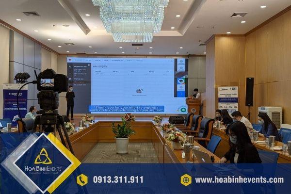 Thuê thiết bị họp trực tuyến giúp doanh nghiệp tiết kiệm chi phí