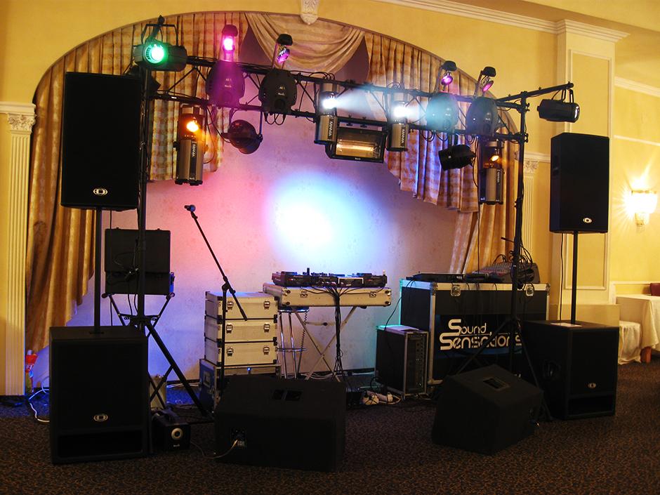 thiết bị âm thanh chất lượng sẽ giúp tiệc cưới thêm phần hoàn hảo