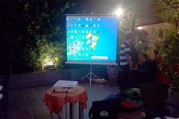 Sử dụng máy chiếu ngoài trời cần lưu ý cách sử dụng, thời tiết...để sự kiện diễn ra suôn sẻ