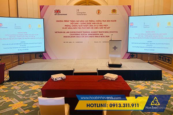 HoaBinh gEvents cho thuê máy chiếu màn chiếu chất lượng cao