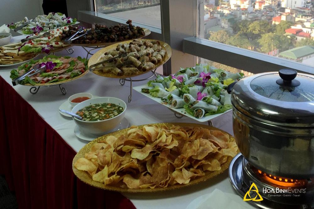 Tổ chức tiệc finger food tại số 9 Đào Duy Anh