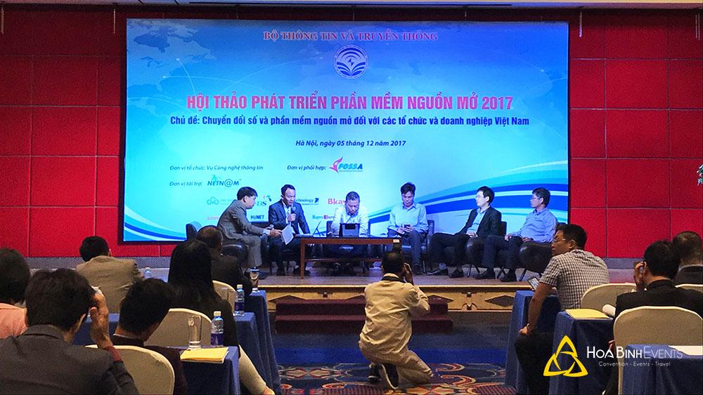 Hội thảo phát triển phần mềm nguồn mở 2017  Chủ đề: Chuyển đổi số và phần mềm nguồn mở đối với các tổ chức và doanh nghiệp Việt Nam