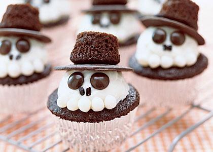 Những chiếc bánh ngọt với hình dáng đầu lâu