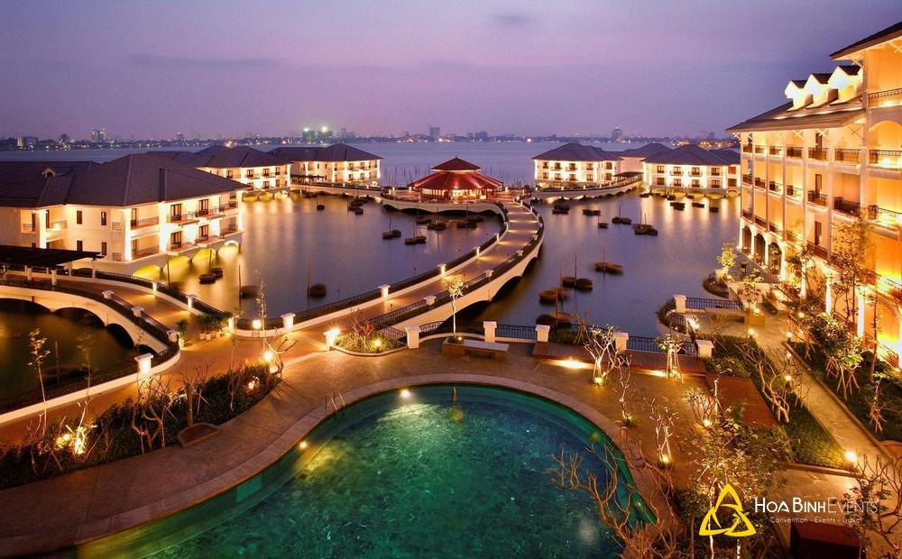 InterContinental Hanoi Westlake  Địa chỉ: 05 Từ Hoa Công Chúa, Phường Quảng An,Quận Tây Hồ, Hà Nội