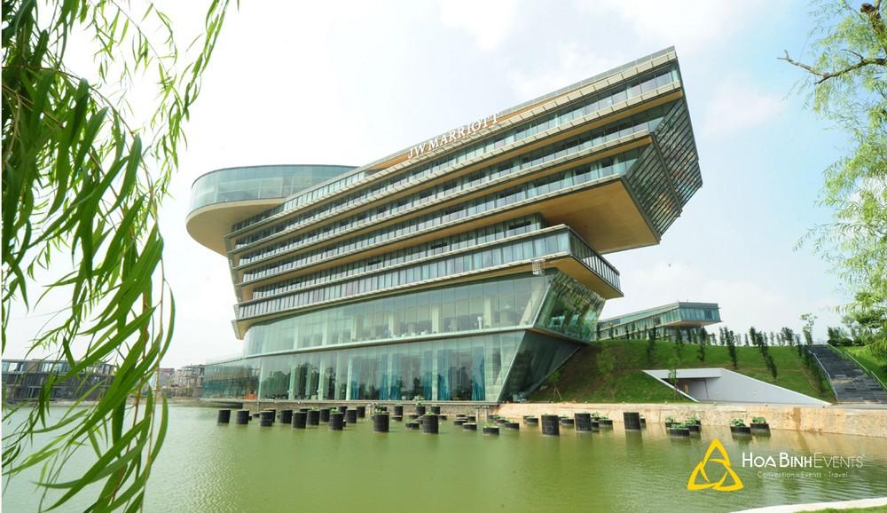 Khách sạn JW Marriott Hanoi   Địa chỉ: 8 Đỗ Đức Dục, Phường Mễ Trì, Quận Nam Từ Liêm, Hà Nội