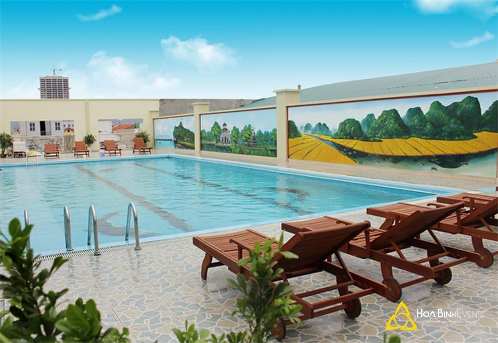 Hoàng Sơn Peace Hotel Ninh Bình là địa điểm lý tưởng để tổ chức các chương trình sự kiện, hội nghị. Để được tư vấn và báo giá tốt nhất dịch vụ Tổ chức sự kiện hội nghị tại Hoàng Sơn Peace Hotel Ninh Bình xin vui lòng liên hệ HoabinhEvents hotline 0913 311 911.