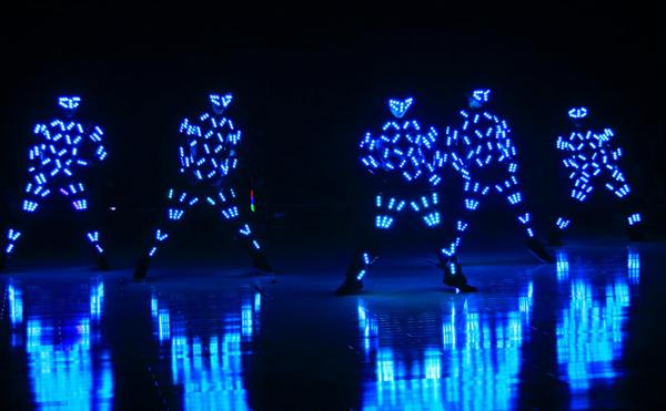 Ứng Dụng Đèn LED Trong Biểu Diễn Nghệ Thuật