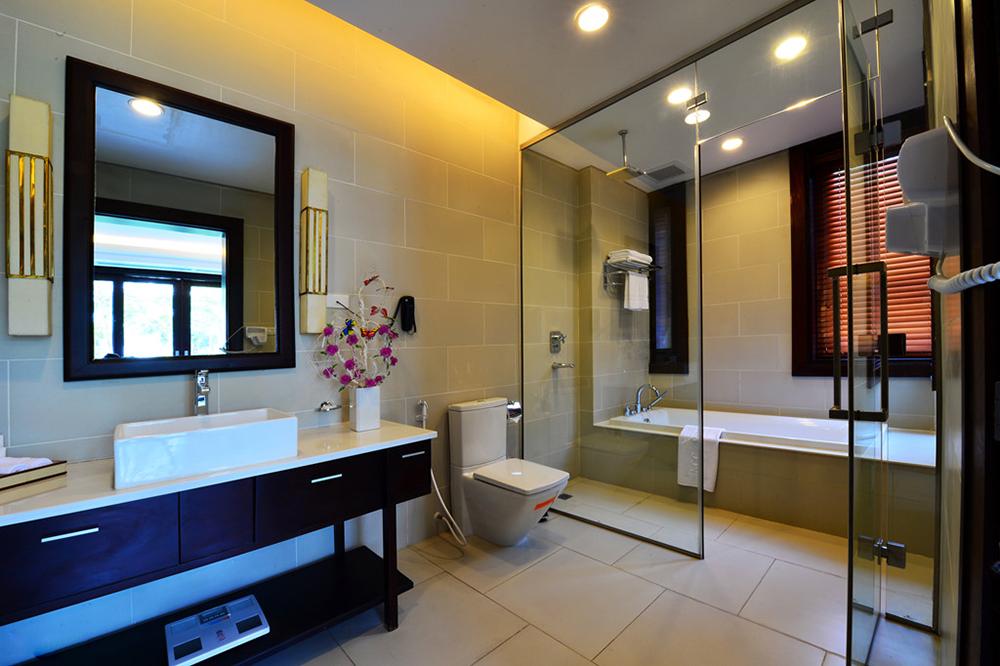 nhà tắm tại trung tâm hội nghị quốc gia