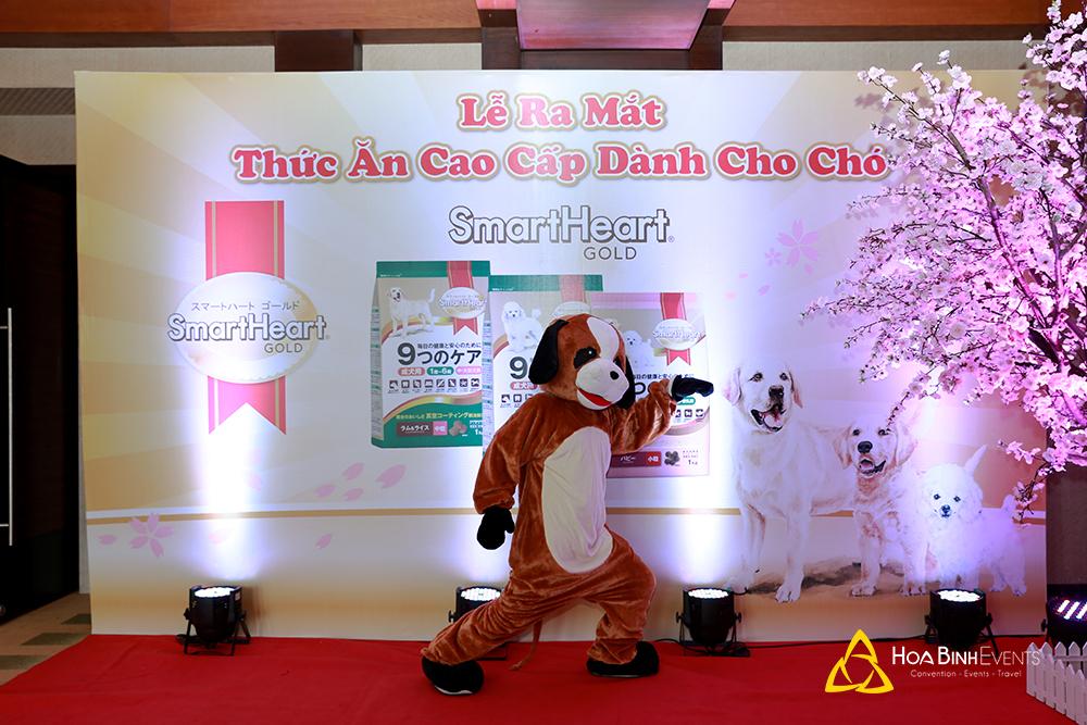 Khung cảnh sự kiện ra mắt sản phẩm được tổ chức bởi HoaBinh Events