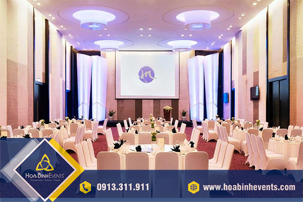 HoaBinh Events cho thuê bàn ghế sự kiện uy tín