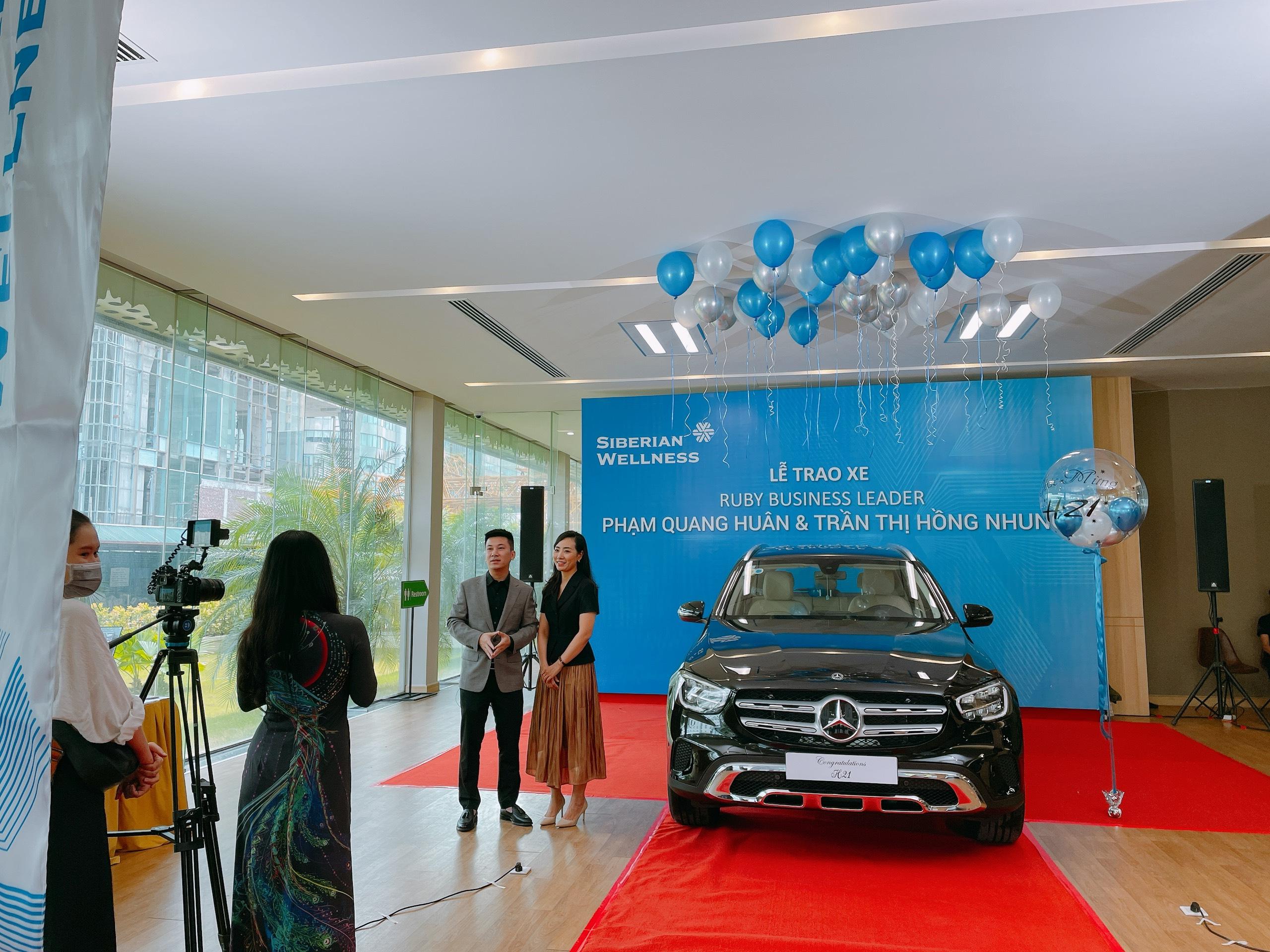 Lễ trao tặng xe Siberian Wellness